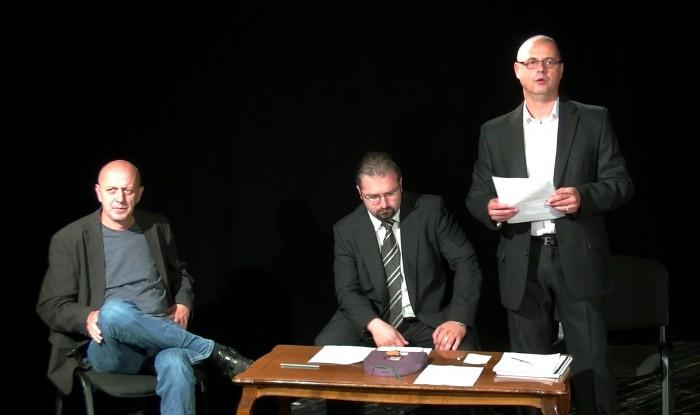 Évadzáró 2.  - Jobbról- Tóth Tibor, igazgató, Dobai Tibor, gazdasági igazgató, valamint Méhes László, főrendező