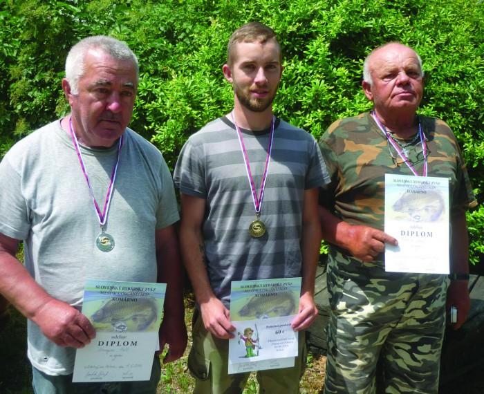 Kakal tavi horgászverseny nyertesei Aranyosi Pál, Beke Adrián, Ferenczi József