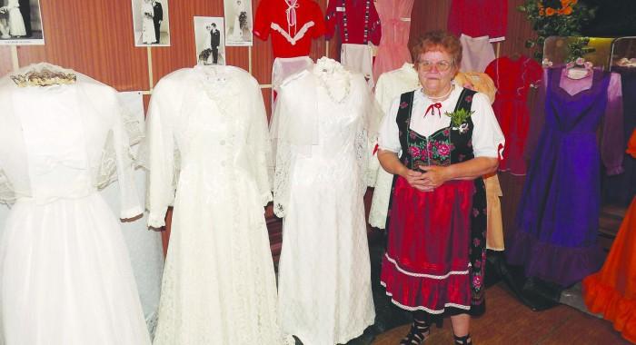 Menyasszonyi ruha - és esküvői képkiállítás 007