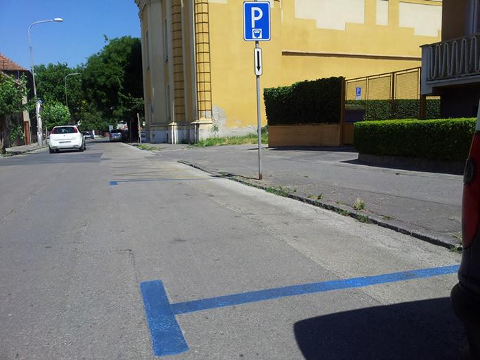 parkolocsikKEK