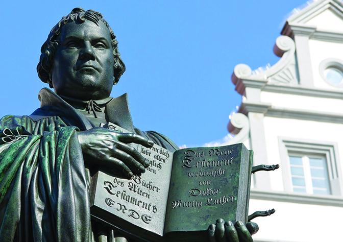 Martin-Luther-Statue-Germany