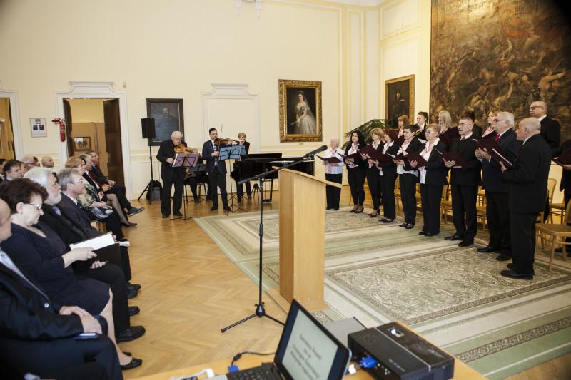 Szénássy Árpád - Világaim címû emlékkiállításának megnyitója születésének 65. évfordulója alkalmából rendezett ünnepi megemlékezés a komáromi Duna Menti Múzeumban
