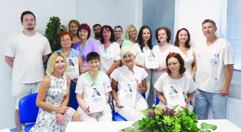 Kolektív zdravotníkov z neurologického oddelenia v Nemocnici Komárno