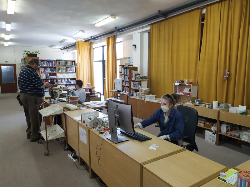 Könyvtár1